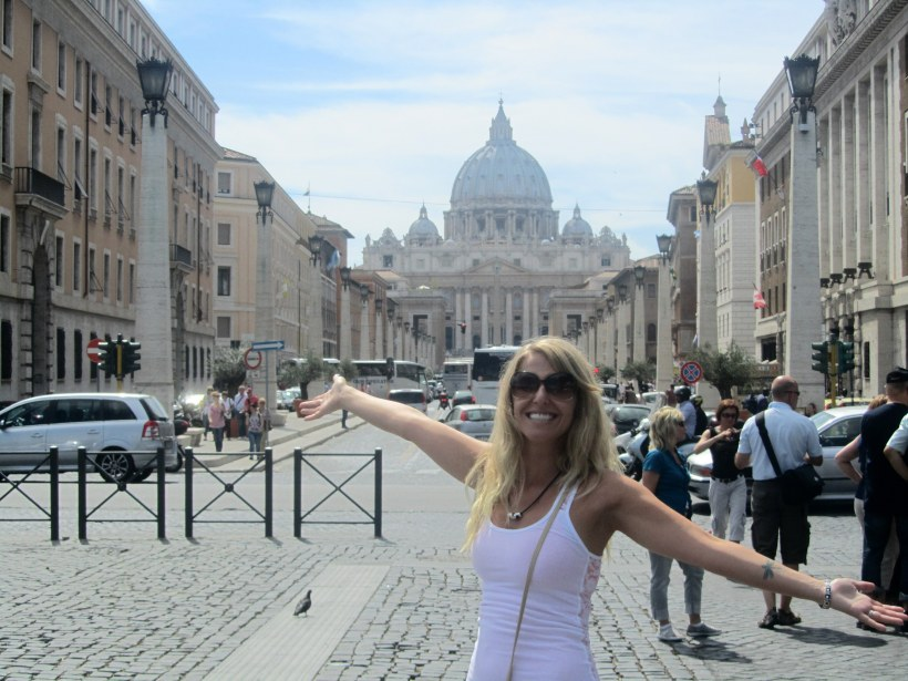 Ohey it's me again! With the basilica in the background!
